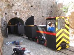 Tren minero de Logrosán durante su montaje en la bocamina Costanaza
