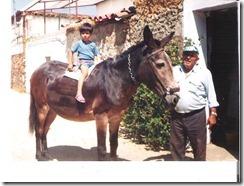 Juanjo pequeño con su abuelo, Juan José Perdigón Cieza 001