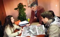 La alcaldesa reunida con los técnicos del proyecto