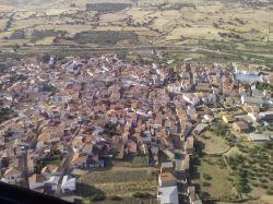 Logrosán, que albergaba 5000 habitantes hace medio siglo, tiene hoy multitud de viviendas vacías.