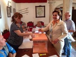 Isabel votando 2015