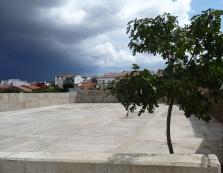 """Una vista de la """"Plaza Chica"""" recién terminada."""